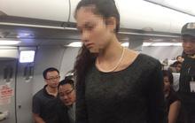 Vụ 2 bà, 1 ông đánh nhau trên máy bay: Người tình bổ guốc vào mặt vợ