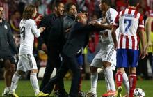 Rượt đánh Varane, HLV Simeone đối mặt án phạt 6 trận