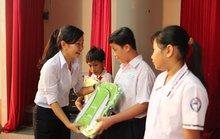 Trao 6.500 suất học bổng Nguyễn Đức Cảnh