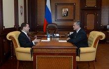 Thủ tướng Nga Medvedev bất ngờ tới Crimea