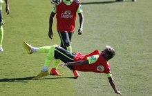 Không có Pele, Neymar đã khoác áo Chelsea