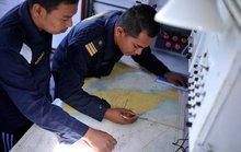 """Máy bay Malaysia """"bay thêm nhiều giờ sau khi mất tích"""""""