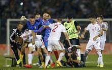 Serbia được xử thắng trong trận đấu đầy bạo lực với Albania