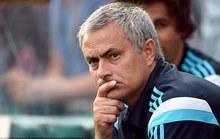 HLV Mourinho chực chờ cuỗm Varane từ Real Madrid