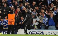 Ông Mourinho tái hiện pha ăn mừng 10 năm trước