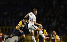Lamela lập siêu phẩm cho Tottenham, CĐV Everton quậy phá ở Pháp