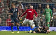 HLV Guardiola nổi nóng với màn diễn kịch của Rooney