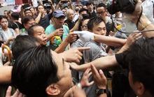 Hồng Kông: Người biểu tình tố xã hội đen tấn công