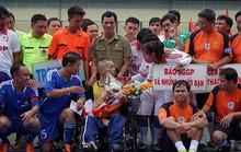 Hơn 300 triệu đồng ủng hộ nhà báo Minh Hùng