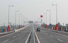 Vừa thông xe, đường cao tốc 20.000 tỉ đồng đã lún
