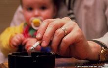 Hút thuốc thụ động gây tổn hai động mạch trẻ em