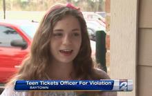 Đậu xe trái phép, cảnh sát bị dân viết giấy phạt
