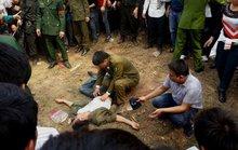 Hội Lim: Uống rượu đánh đu, 1 người ngã gãy tay