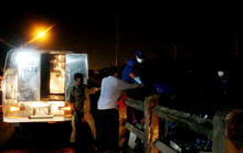Một người nghi nằm trên đường ray, bị tàu hỏa tông chết