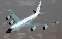 Chiến đấu cơ Trung Quốc cắt mặt máy bay Mỹ trên biển Hoa Đông