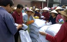 Cắt gạo cứu trợ của người nghèo đem bán