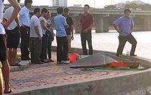 Hà Nội: Vớt thanh niên tay cầm kính bơi dưới đáy hồ Linh Đàm