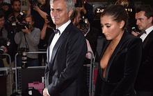 Con gái Mourinho thả rông vòng 1 đi dự lễ cùng bố