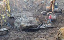 Lúng túng xử lý khối đá bạc tỉ