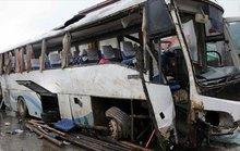 Lật xe buýt, hơn 48 người thương vong