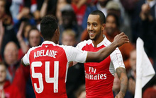Sao trẻ Jeff Adelaide tung hoành, Arsenal vô địch Emirates Cup