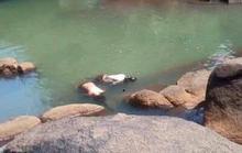 Hai nữ sinh lớp 7 chết bất thường tại suối đá