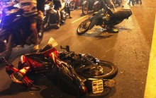 2 người đi đường gặp nạn vì nghi cướp phóng xe tông vào