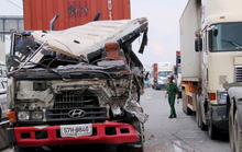 Xe container gây tai nạn liên hoàn trên Xa lộ Hà Nội