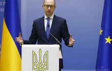 Yatsenyuk: Ukraine đang trong tình trạng chiến tranh với Nga