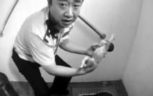 Trung Quốc: Cứu sống trẻ sơ sinh bị vứt trong bồn cầu
