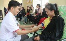 350 CNVC-LĐ hiến máu tình nguyện