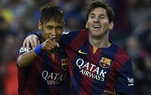 Messi cùng sếp Barcelona dự lễ trao giải Globe Soccer