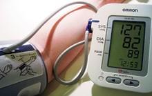 Vừa đi làm vừa mang máy đo huyết áp