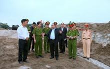 """Phó Thủ tướng: Có hiện tượng bảo kê cho """"cát tặc"""" lộng hành"""