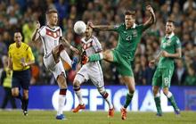 Tuyển Đức thua sốc Ireland, Bồ Đào Nha và Bắc Ireland dự VCK