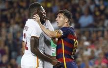 Bị khiêu khích, Messi túm cổ húc đầu đối thủ