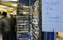 Người Việt săn lùng tạp chí biếm họa Charlie Hebdo