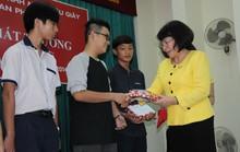 Khen thưởng 359 con công nhân