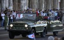 Tro cốt lãnh tụ Fidel Castro đi dọc đất nước