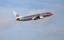 Máy bay quay đầu vì hành khách, phi hành đoàn mắc bệnh lạ