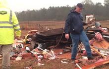 Mỹ: Bão và lốc xoáy dồn dập, hàng chục người thương vong