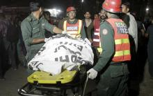 Đánh bom tự sát kinh hoàng, hơn 400 người thương vong