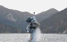 Triều Tiên chế tạo tàu ngầm lớn để phóng tên lửa