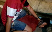 Phóng viên giải cứu cụ ông bị siết cổ giữa đêm
