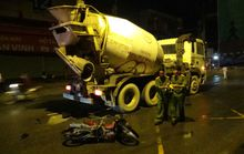 Xe bồn vượt ẩu, cán chết 2 công nhân trong đêm