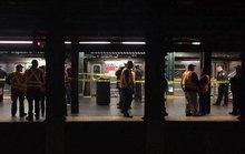 Mỹ: Một phụ nữ bị đẩy vào đường ray tàu điện ngầm đang chạy