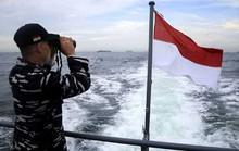 Thuyền Indonesia chìm sau khi va chạm tàu treo cờ Việt Nam
