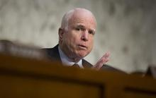 Vụ xá súng Orlando: Thượng nghị sĩ McCain bất ngờ tuyên bố sốc