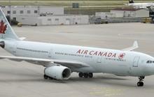 Hành khách hốt hoảng khi máy bay mất độ cao đột ngột