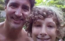 Dạo công viên, bất ngờ gặp thủ tướng Canada từ hang chui ra